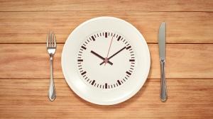 Fasting - assiette et horloge
